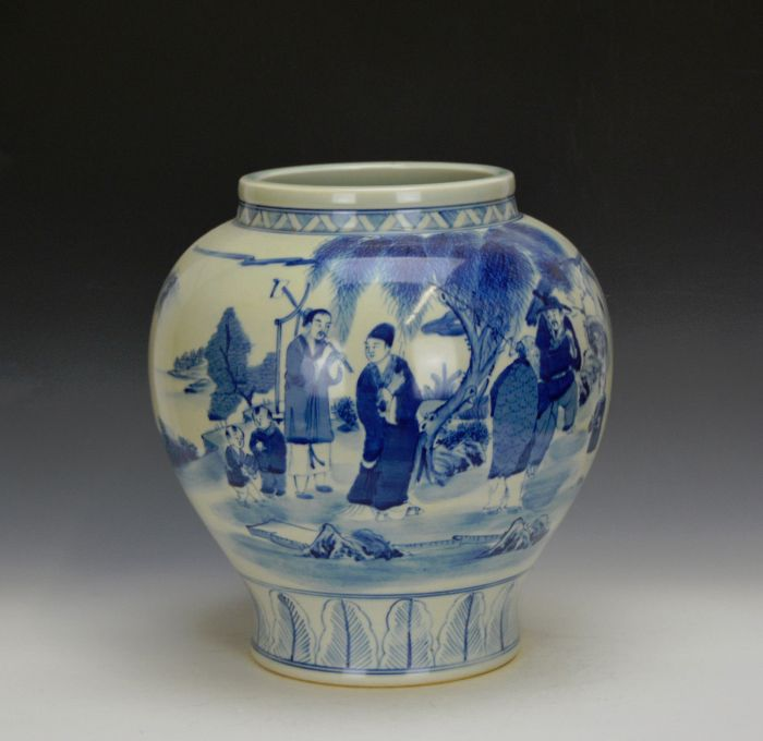 Ming blue and white porcelainpot