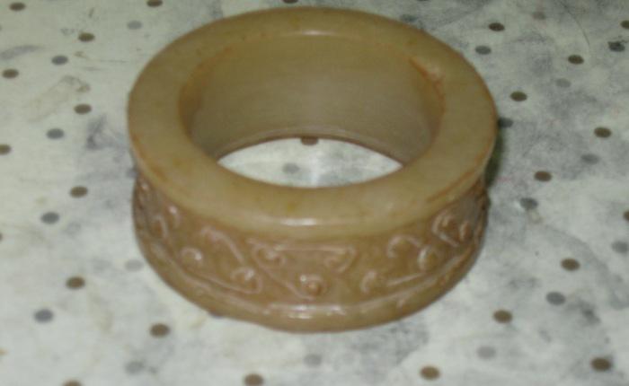 Ming Dynasty yellow nephrite jade haircircle